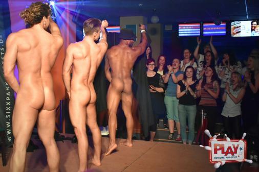 Frauenparty am Männertag im PLAY Bowling