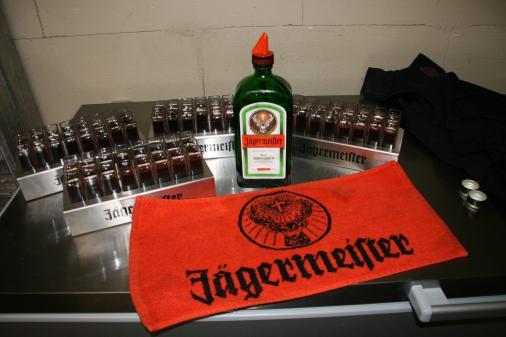 Eisgekühlt gab es Gratis Jägermeister für unsere Gäste.